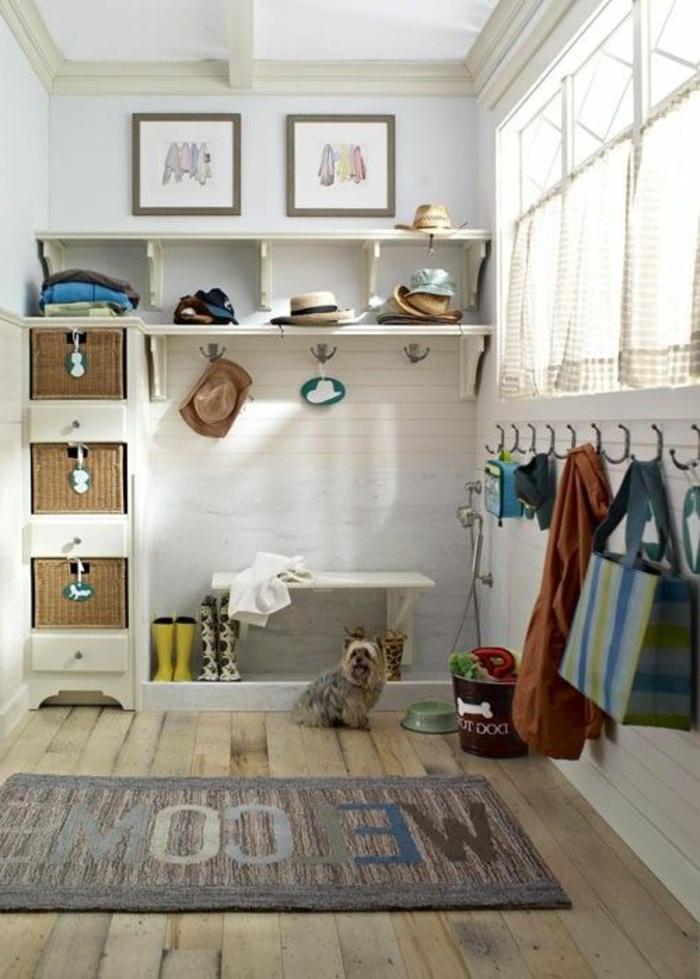 aménager-un-dressing-dressing-avec-des-étagères