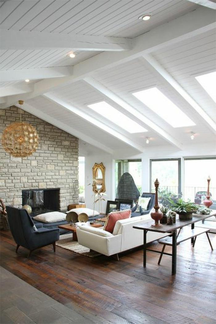 amenagement-comble-une-jolie-salle-se-séjour-sous-combles-parquette-en-bois-foncé