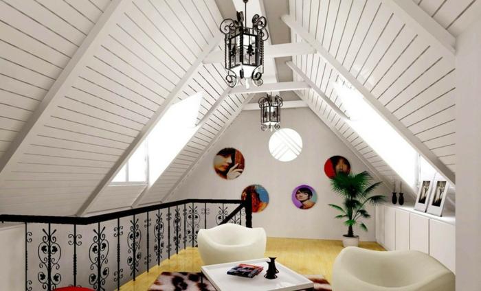 amenager-comble-une-jolie-salle-de-séjour-sous-pente-plafond-de-combles-rambarde-en-fer-forge