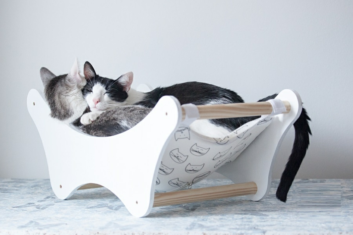 Un hamac pour chat va donner grand confort votre animal - Arbre a chat design pas cher ...