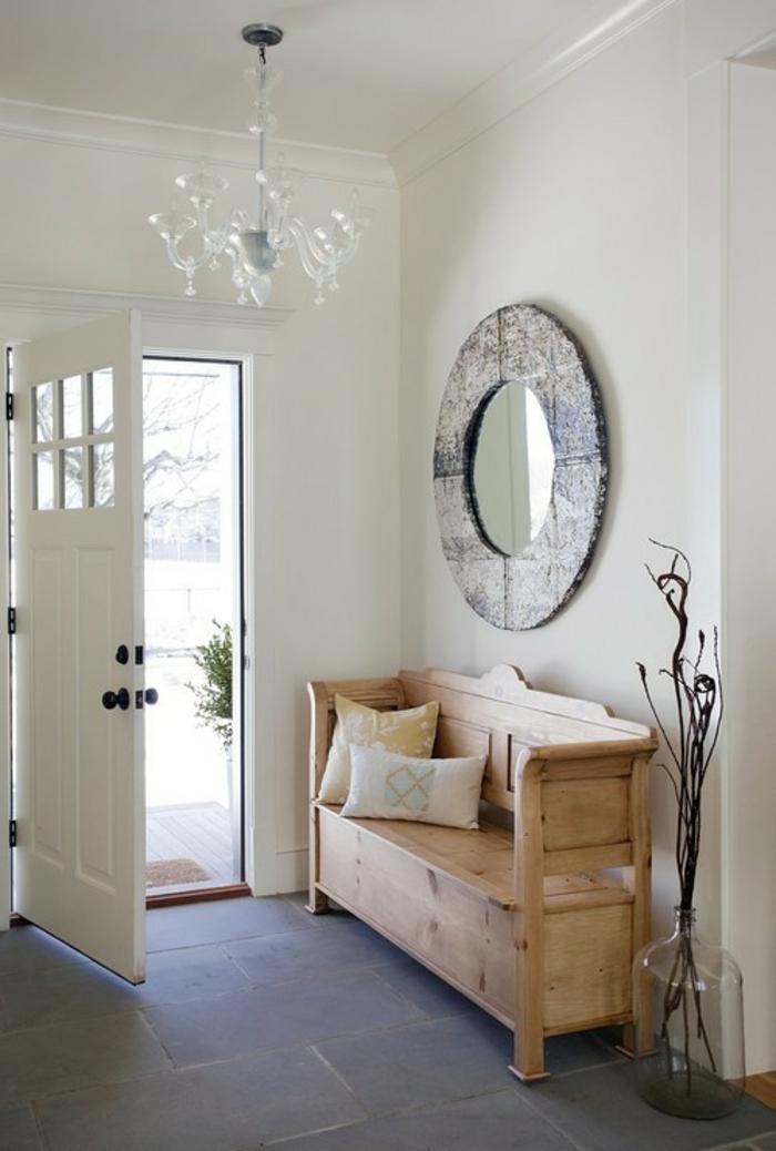 Le banc de rangement un meuble fonctionnel qui for Eingangsbereich gestalten
