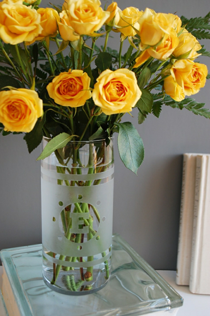 bassin-vases-bocal-grand-vase-en-verre-grand-vase-verre-vase-leonardo-verre-beauté-jaune-roses