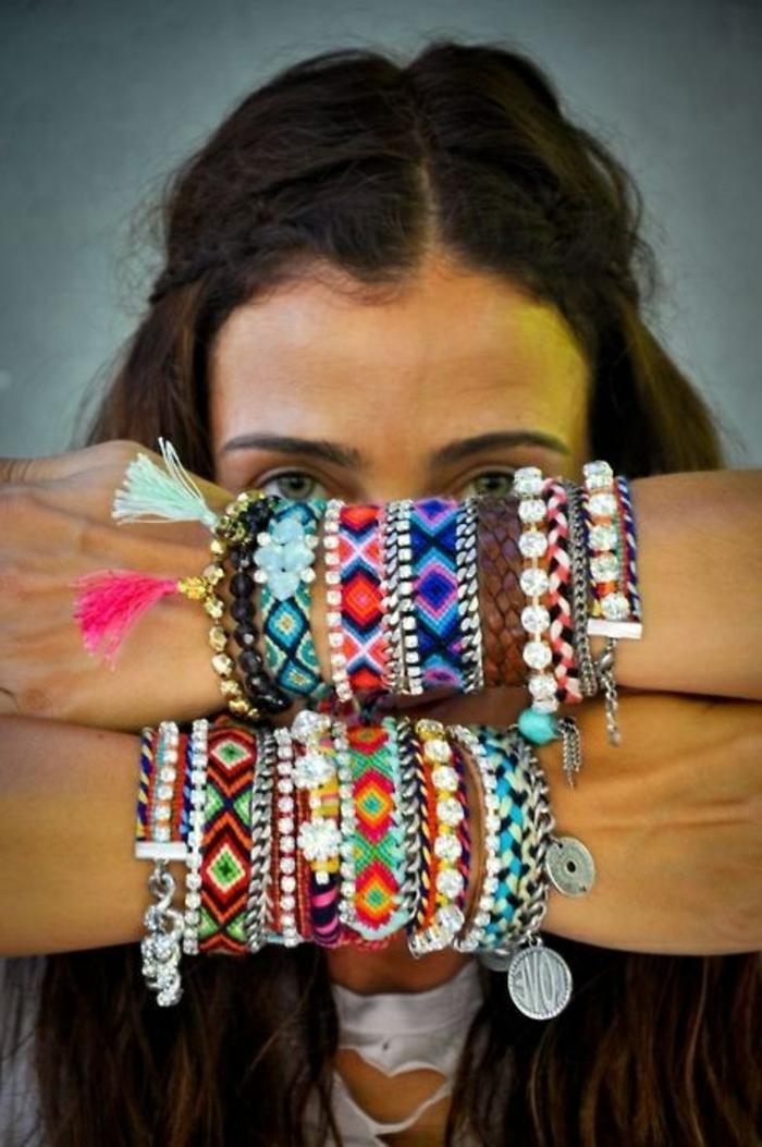 beaucoup-de-variante-de-bracelets-brésilien-tuto-colorés-comment-faire-un-bracelet-bresilien
