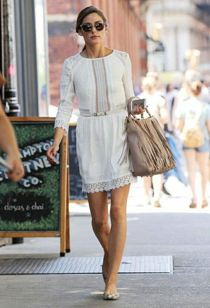 belle-robe-blanche-a-dentelle-style-chique-tenue-du-jour-dans-la-rue