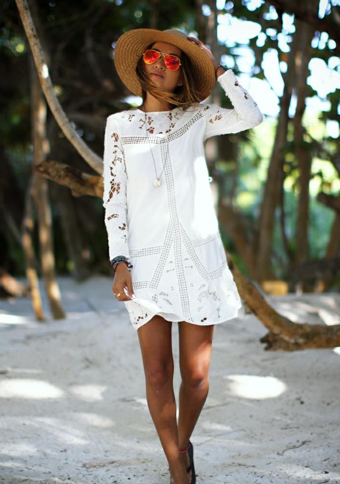 blanche-robe-dentelle-robe-blanche-longue-dentelle-le-plage
