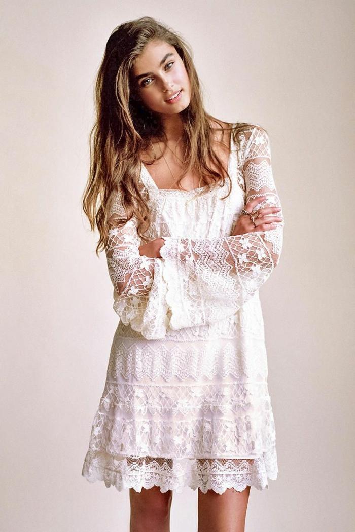 blanche-robe-dentelle-robe-blanche-longue-manche-dentelle-manche-longue