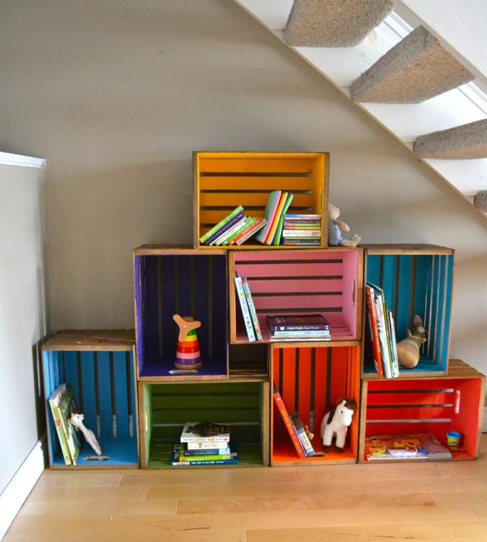 boîte-de-rangement-originales-organisation-sous-escalier