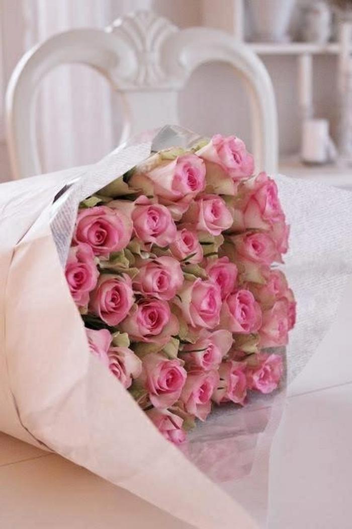 bouquet-de-roses-grand-buquet-de-fleurs-roses-joli-bouquet-magnifique-bouquet-de-fleurs