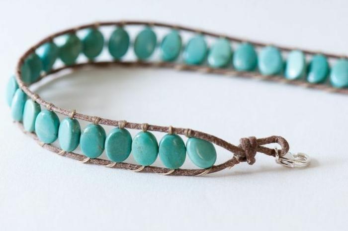 bracelet-brésilien-technique-comment-faire-un-bracelet-brésilien-coloré-bleu-ciel