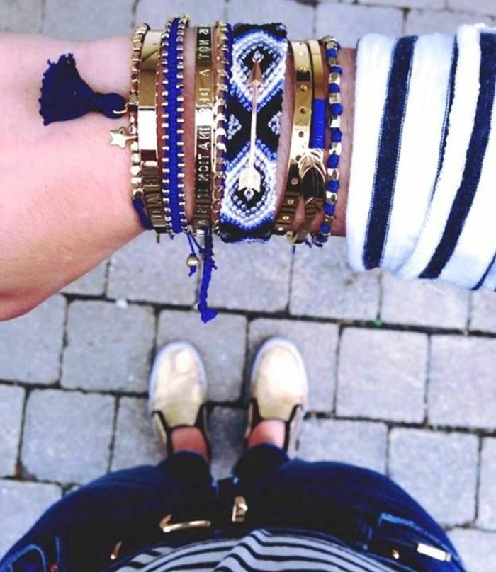 bracelet-brésilien-technique-comment-faire-un-bracelet-brésilien-coloré-bleu-foncé