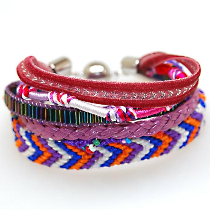 bracelet-brésilien-technique-comment-faire-un-bracelet-brésilien-coloré-bleu-rouge