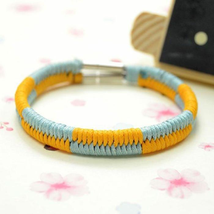 bracelet-brésilien-technique-comment-faire-un-bracelet-brésilien-coloré
