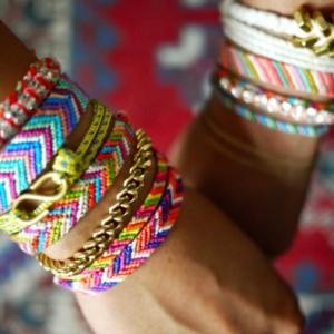 Comment faire un bracelet brésilien? Idées en photos et vidéos!