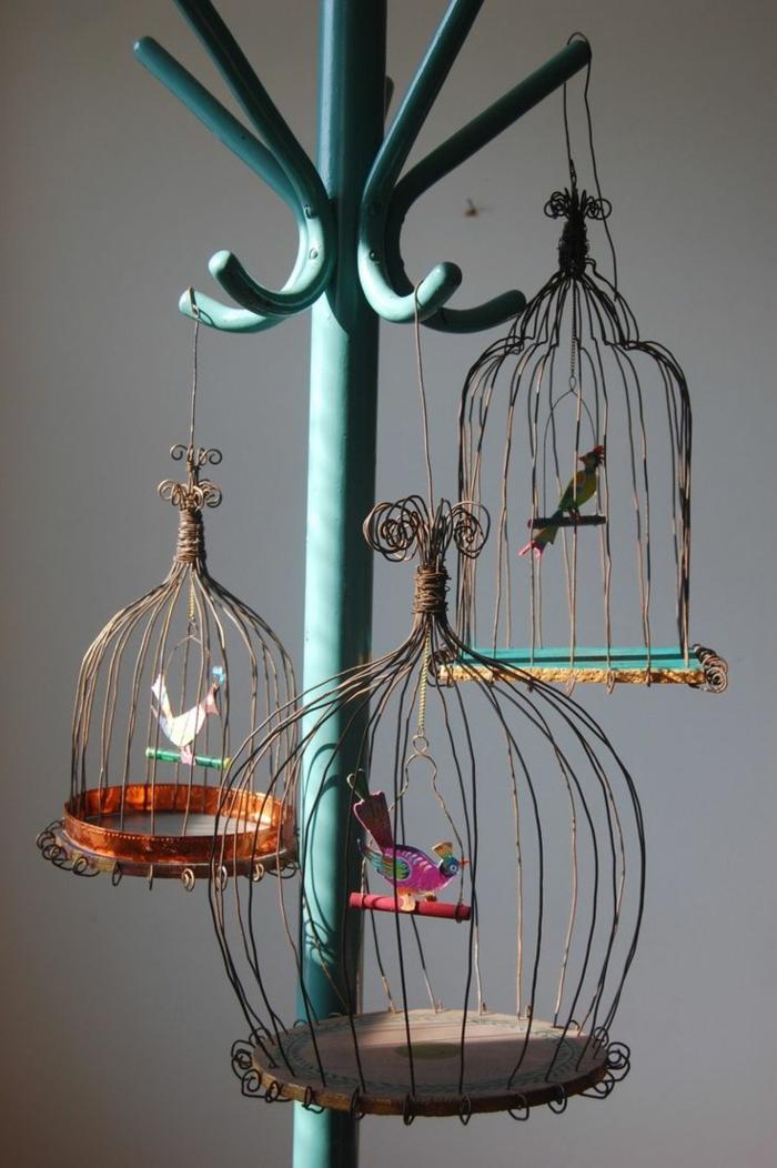 cage-à-oiseaux-décorative-cages-suspendues-à-un-peroquet