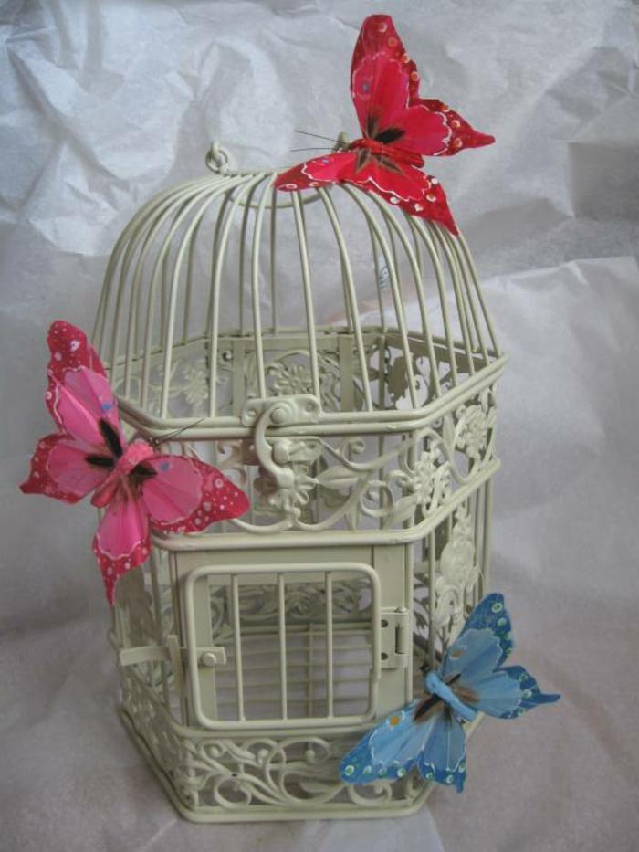cage-à-oiseaux-décorative-décoration-de-fêtes-romantique