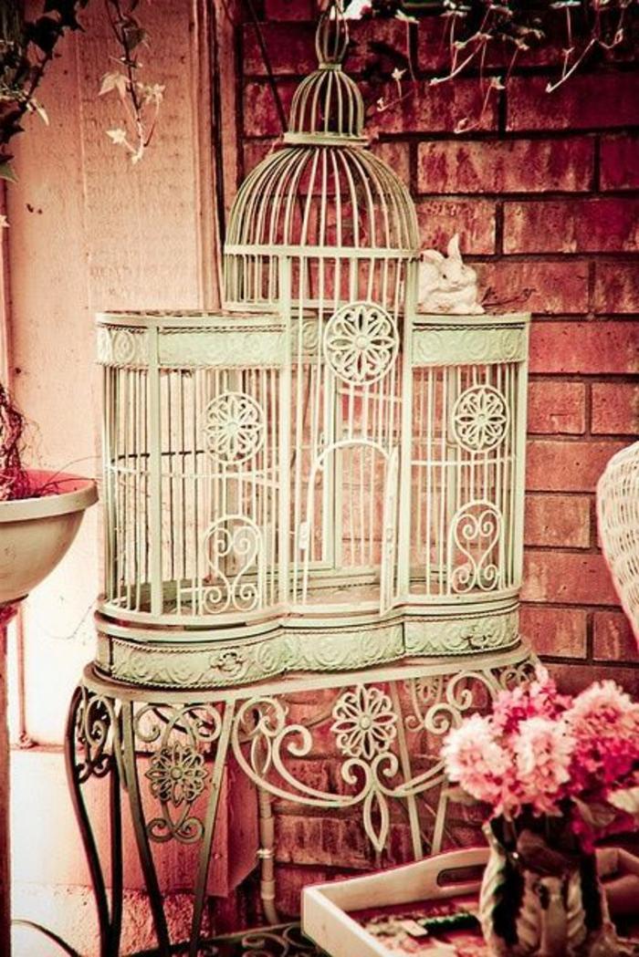 cage-à-oiseaux-décorative-table-en-fer-forgé