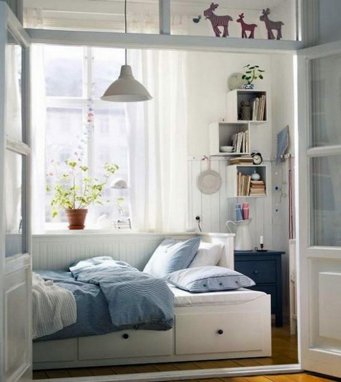 chambre-avec-séparateur-de-pièce-meuble-séparation-pièce-chambre-à-coucher-blanc-et-bleue
