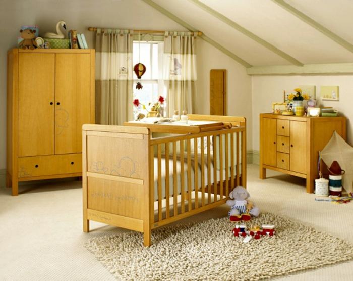 chambre-d-enafant-aménagement-de-combles-lit-d-enfant-en-bois-clair-amenager-comble