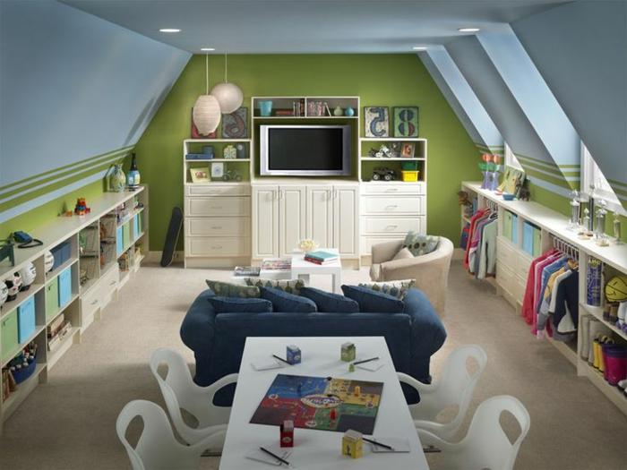 chambre-d-enfant-de-combles-amenagement-comble-murs-colorés-sol-en-parquette