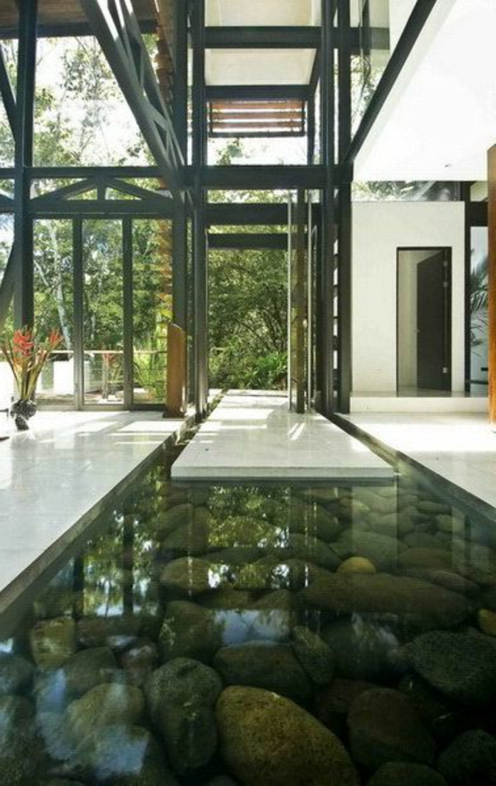 chambre-japonaise-decoration-jet-d-eau-d-intérieur-fenetre-grande-mur-en-fenetres