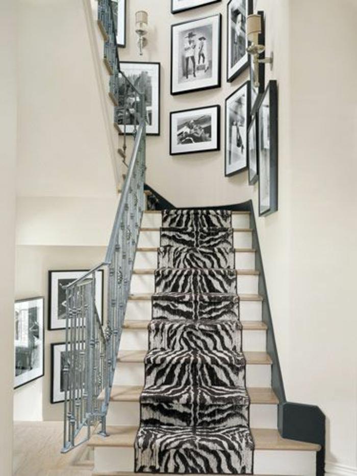 chemin-d-escalier-tapis-zebre-idée-pour-comment-décorer-les-escalier-d-intérieur