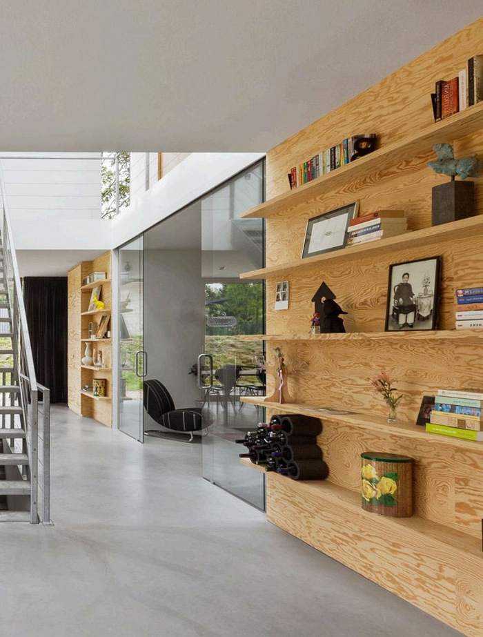 cloison-amovible-pas-cher-bibliothèque-murale-en-bois-sol-en-lino-gris-escalier-interieur