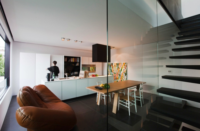 cloison-amovible-pas-cher-en-verre-séparer-escalier-chambre-de-séjour-moderne