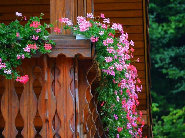 Comment avoir un balcon fleuri id es en 50 photos for Amenagement jardiniere exterieure