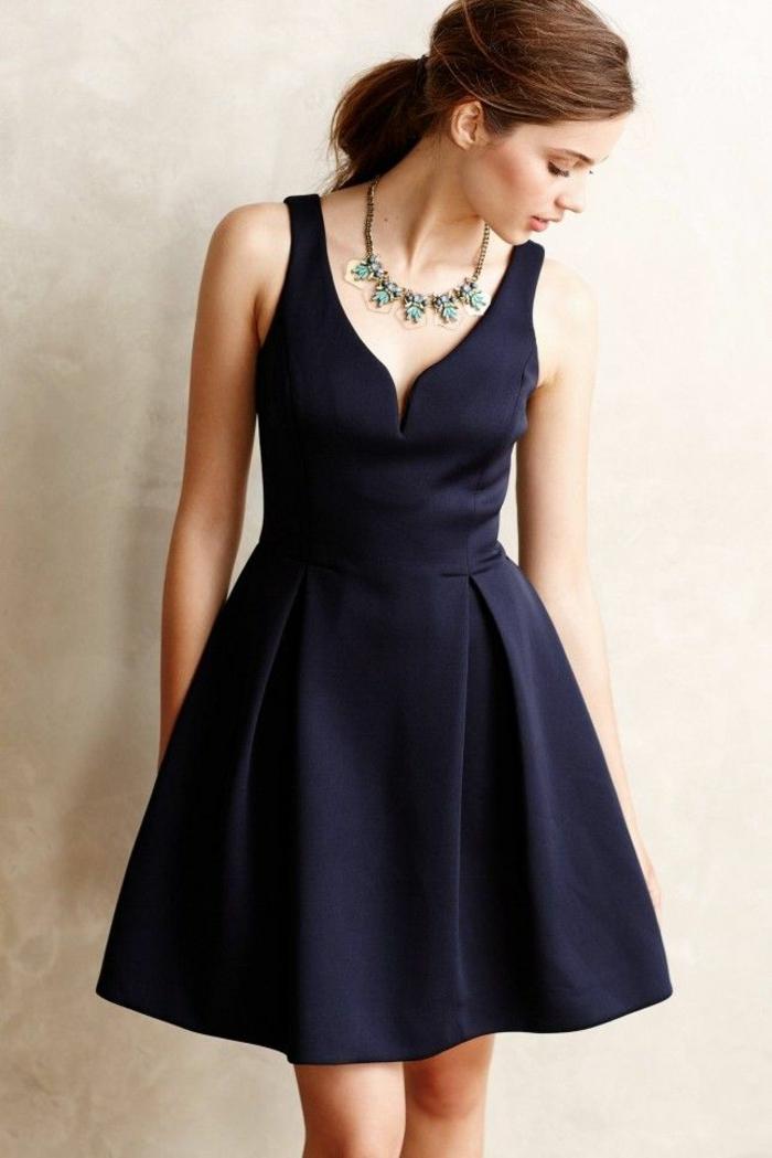 comment-s-habiller-pour-occasion-formel-journée-robe-noire-resized