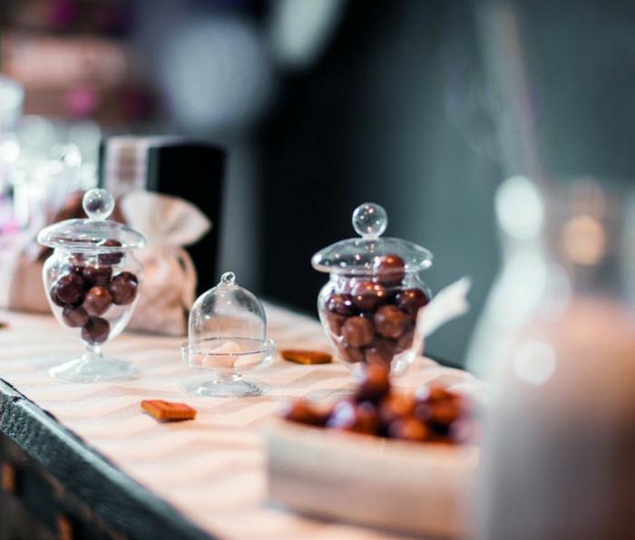 contenant-dragées-bonbonnière-deco-à-faire-soi-même-belle-idée-bonbons-chocolat