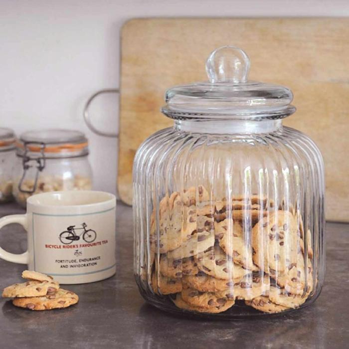 contenant-dragées-bonbonnière-deco-à-faire-soi-même-deco-chambre-chocolat-chaude-et-biscuits