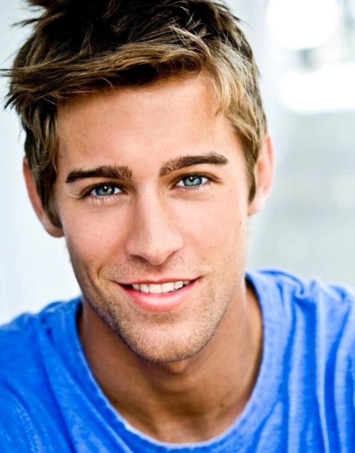 coupe-de-cheveux-homme-cheveux-épais-blonde-coifure-de-cheveux-hommes-blondes