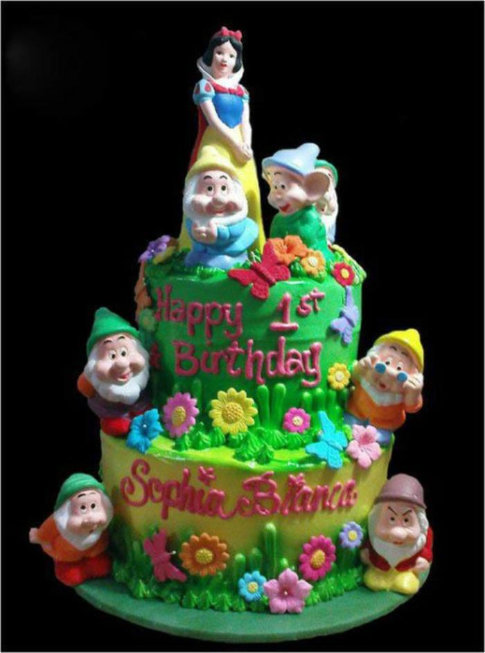 déco-gateau-anniversaire-enfant-Disney-snow-white-conte-de-fée-le-gâteau-professionnel