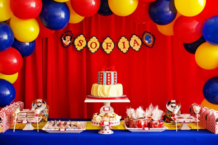 déco-gateau-anniversaire-enfant-Disney-snow-white-conte-de-fée-sofia-anniversaire