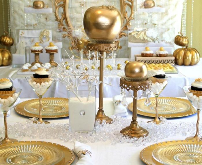 déco-table-anniversaire-enfant-blanche-neige-et-les-sept-nains-or-et-blanc