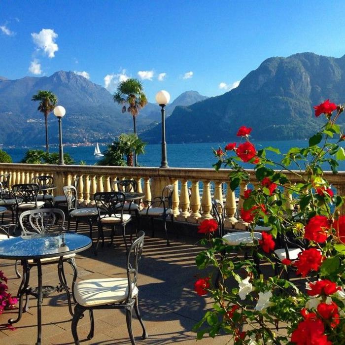 de-visiter-les-lacs-italiens-lac-de-come-routard-bellagio-italie-restaurant-fleurs-rouges
