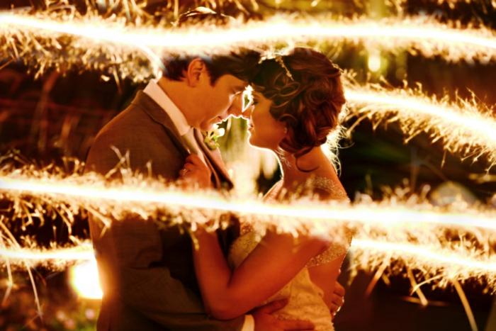 deco-plafond-mariage-deco-de-mariage-pas-cher-couple-qui-s-aime