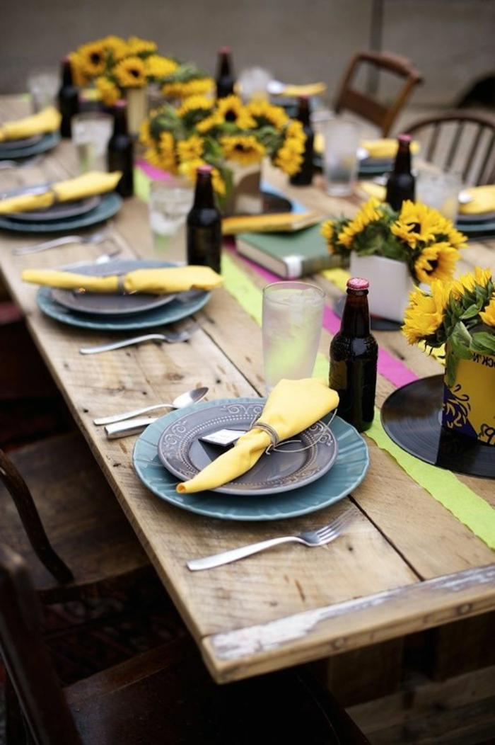 decoration-de-fete-et-une-jolie-decoration-de-table-pour-anniversaire-avec-tournesol