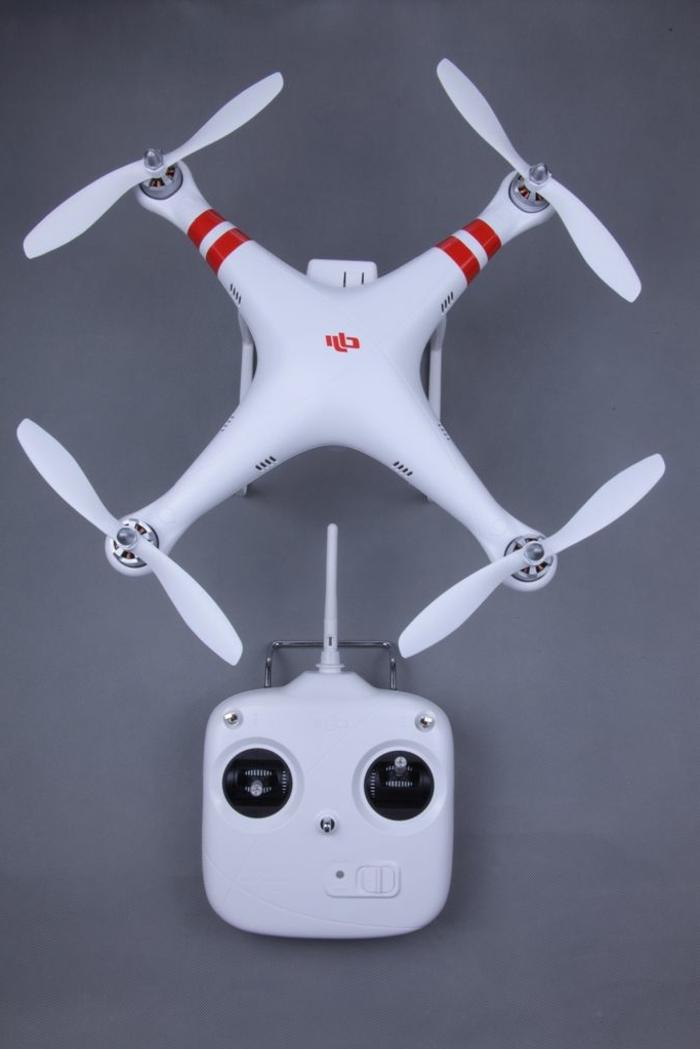 drone-télécommandé-drone-avec-radiocommande