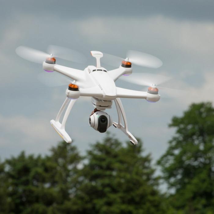 drone-télécommandé-drone-quadricoptère-blanc