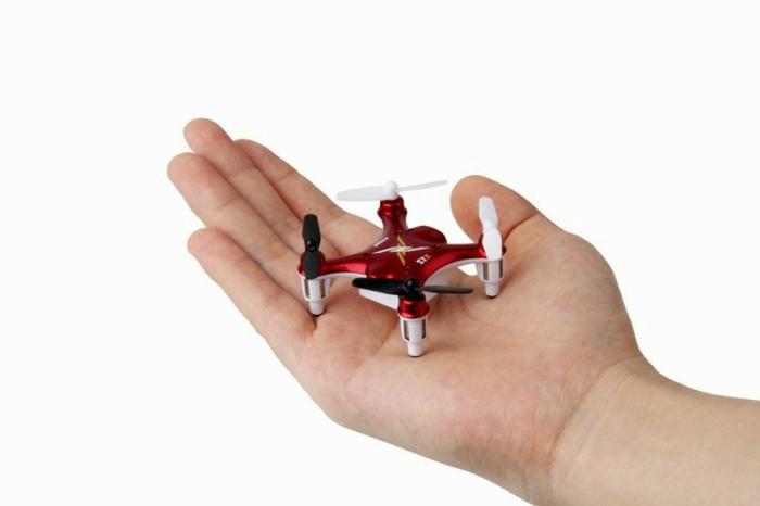 drone-télécommandé-mini-hélicoptère-rouge