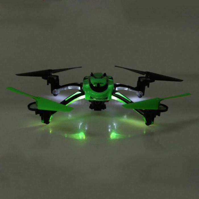 drone-télécommandé-télécommande-et-girocaméra