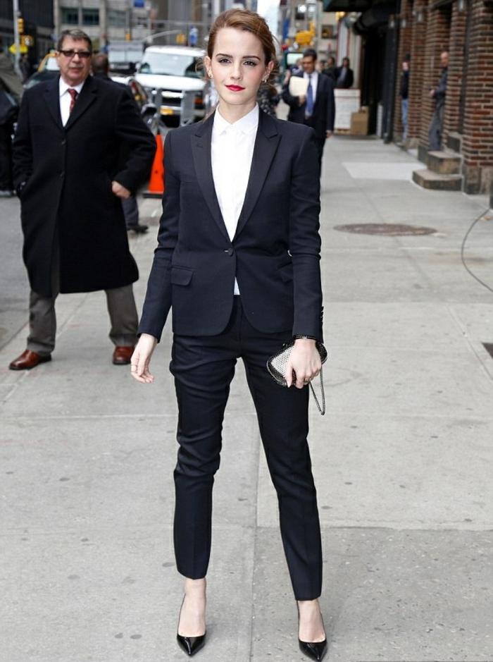 ensemble-tailleur-pantalon-femme-pas-cher-tailleur-pantalon-femme-noir-coutume-chemise-blanche-emma-watson