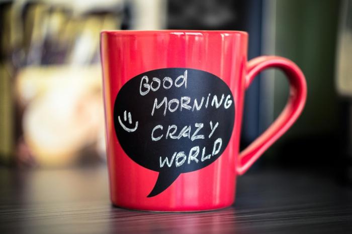 faire-mugs-personnalisés-mug-magique-personnalisé-originale-idée-l-ardoise-ecrire-tout-ce-que-tu-veut