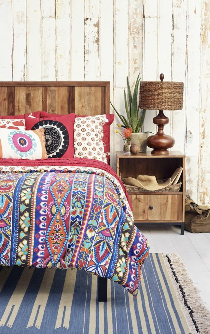 faire-une-tête-de-lit-soi-même-fabriquer-une-tete-de-lit-avec-des-meubles-recyclés