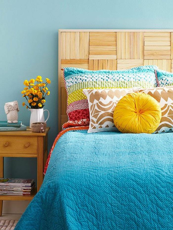 faire-une-tête-de-lit-soi-même-joli-lit-en-couleurs