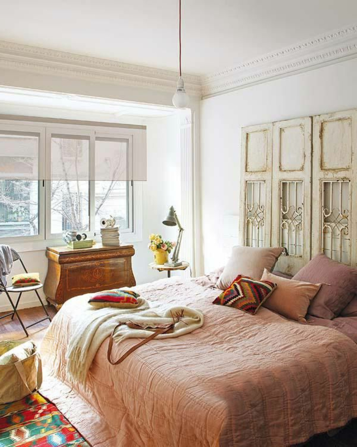 Rideau Moderne Chambre A Coucher : faire-une-tête-de-lit-soi-même-pour-la-chambre-à-coucher-vintage