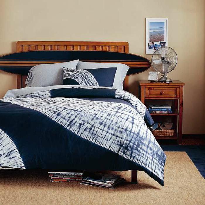 Plusieurs id es pour faire une t te de lit soi m me - Tete de lit en planche de coffrage ...
