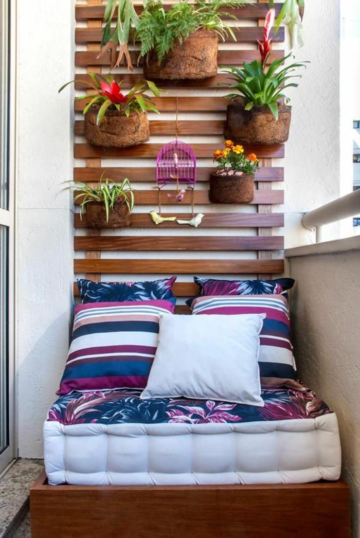 faire-une-tête-de-lit-soi-même-un-lit-diy-sur-le-balcon