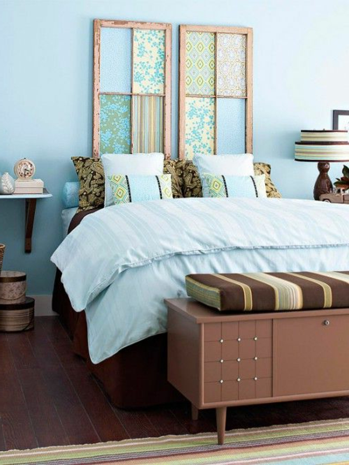 faire-une-tête-de-lit-soi-même-vieilles-encadrements-avec-textile
